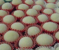Brigadeiro de Chocolate Branco - Receitas da Tia Céu