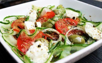 Image result for Saladas com Queijo Feta - 3 Escolhas.