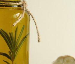 azeite aromatizado - Receitas da Tia Céu
